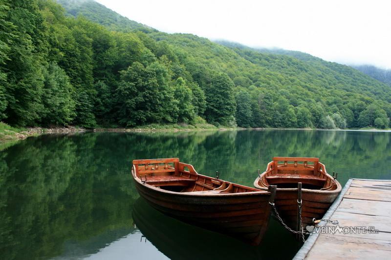 Биоградско езеро