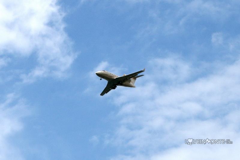 Самолет над Тиватом