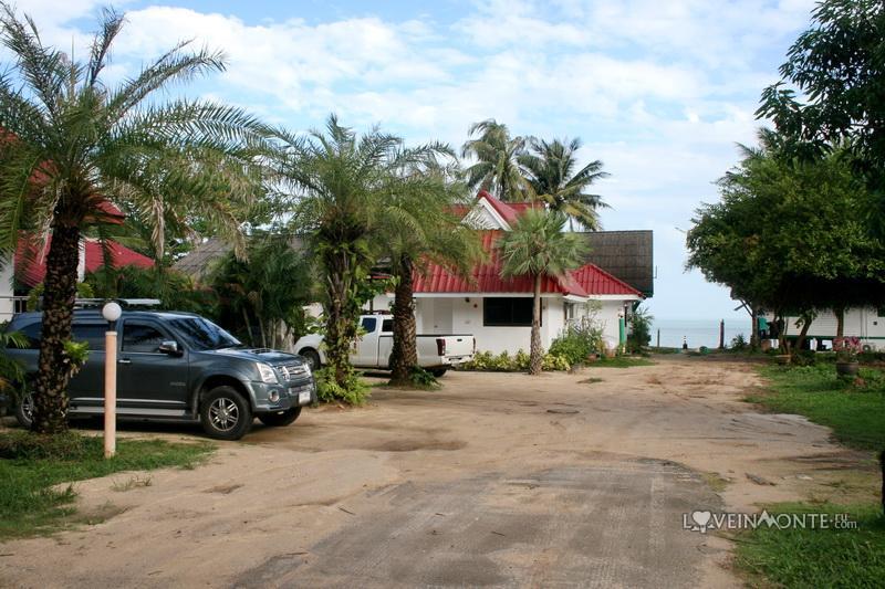 Недорогая гостиница на Банг По, Самуи