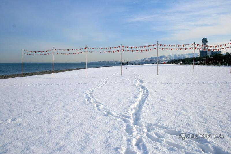 Пляж Батуми в январе