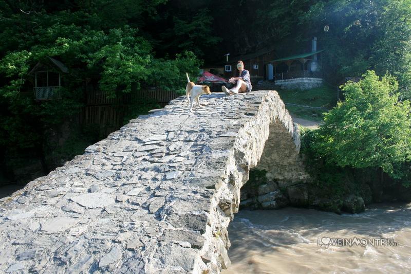 Мост царицы Тамары в Махунцети